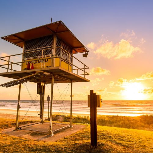 lifeguard-tower-at-sunrise